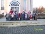 Alle zusammen vor der Spielstätte, dem Berlischky-Pavillon in Schwedt