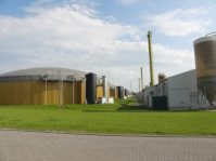 Umstritten: Mit Mais betriebene Biogasanlagen (Bild Archiv gemeinde-tantow.de)