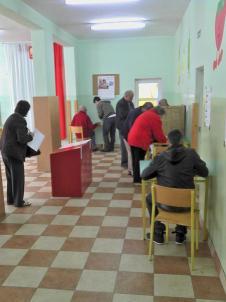 Blick ins Stettiner Wahllokal in der Szkola Podstawowa, ul. Emilii Plater (Bild: A.Schwarze, Archiv 2011)