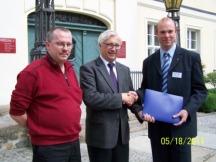 A. Meincke, Hans-Werner Franz (VBB) u. A. Schwarze (v.l.n.r.) bei der Konferenz 2011 in Angermünde (Archivbild: Onlineredaktion)