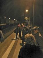 Reisende warten bei Minusgraden in Tantow vergebens auf ihren Zug... (Bild ASC)