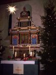 Weihnachtlich_geschmueckte_Kirche_Hohenreinkendorf_Foto_Michael_Knoefel