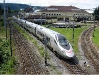 » Foto: Pendolino-Zug der vierten Generation in der Schweiz, der dem neuen polnischen Modell gleicht. Autor: Хрюша, Quelle: Wikimedia Commons, Lizenz: gemeinfrei