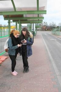 Auch die Jugend freut sich: Katarzyna Kaczmarek (l.) und Emilie Starigk (beide 16 J.) ©asc