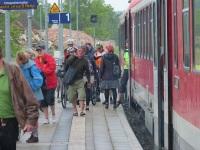 Bahhof Tantow: radler kommen aus dem RE aus Richtung Berlin an. Foto: A. Schwarze