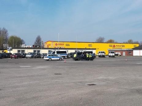 LKW-Kontrollpunkt der Landespolizei (LaPo). Foto: Andreas Schwarze (asc)